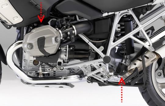 DOHCヘッドと排気バルブ.jpg